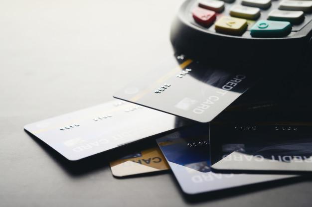 Debit, credit ja yhdistelmäkortti